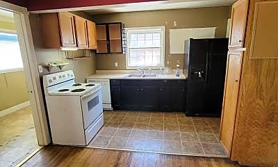 Kitchen, 865 Della Dr, 1
