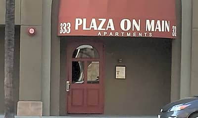 Plaza On Main, 2