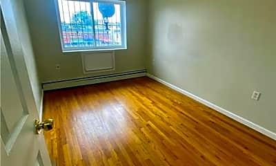 Living Room, 2354 Newbold Ave, 1