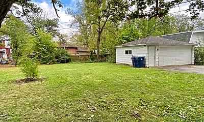 Building, 21123 Oak St, 2