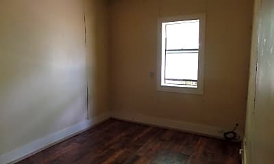 Bedroom, 502 E 16th St, 1
