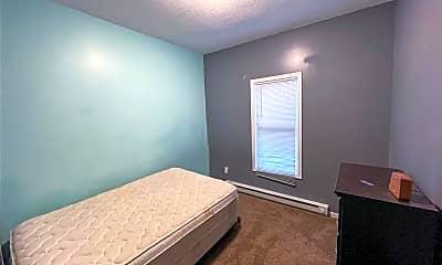 Bedroom, 154 Oak St 1R, 2