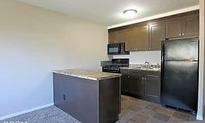 Living Room, 8240 Blondo St, 2
