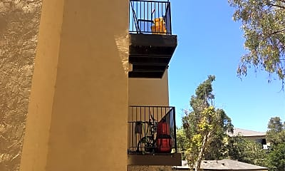 Altadena Apartments, 2
