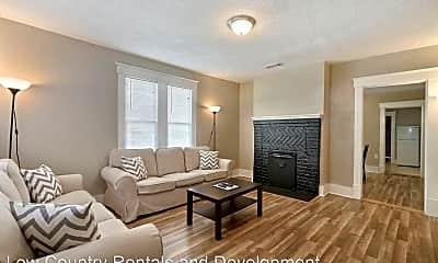 Living Room, 1013 E 33rd St, 1