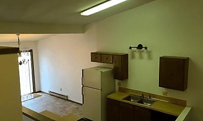 Kitchen, 910 Fairmont Ct, 2