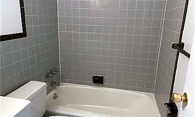 Bathroom, 470 Glenbrook Rd 3 F, 2