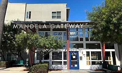 Mandela Gateway, 1