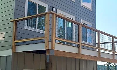 Building, 609 Finnegan Ridge, 1