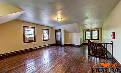 Living Room, 1640 Indianola Ave, 2