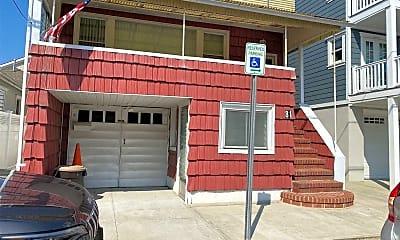 81 Mohawk Ave GARDEN, 2