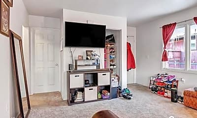 Living Room, 321 Melody Pl, 1