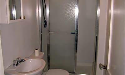 Bathroom, 2061 Iuka Ave, 2