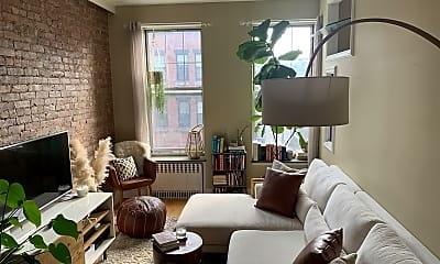 Living Room, 319 20th St, 2