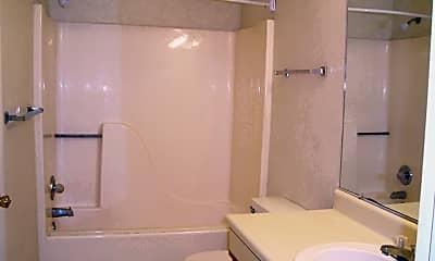 Bathroom, 103 Parkwood Dr, 2