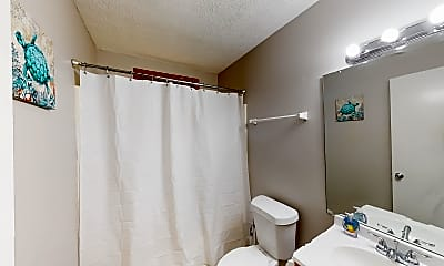 Bathroom, Room for Rent - Live in Riverdale, 1