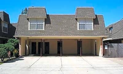 Metairie Plaza Apartments, 2