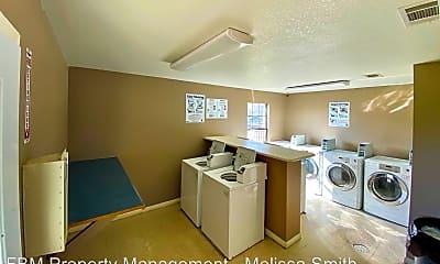 Kitchen, 119 E Walnut St, 2