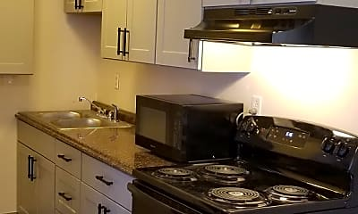 Kitchen, Lincolnwood Pinetree Apartments, 0