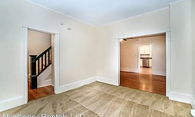 Bedroom, 136 N Potomac St, 1