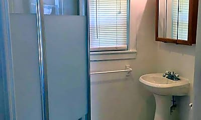 Bathroom, 425 W Chandler St, 1