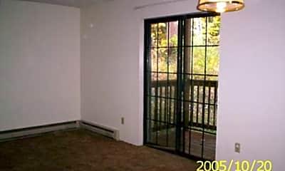 Pine Tree Lane Apartments, 1