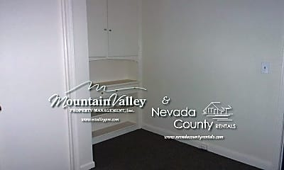 Bathroom, 457 S Auburn St, 2