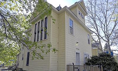 Building, 1736 Ames Pl E, 1
