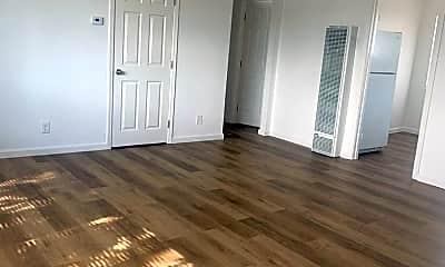 Living Room, 3321 Barrett Ave, 2