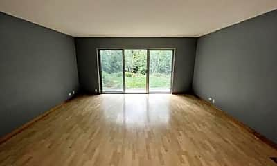 Living Room, 5001 Carriageway Dr, 1