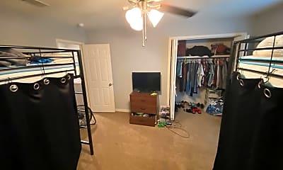 Bedroom, 100 Pine Lake Pl, 2