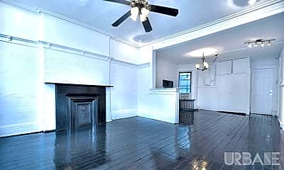 Living Room, 247 Grand St, 2
