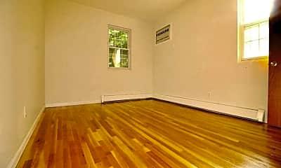 Living Room, 153-16 Sanford Ave, 2