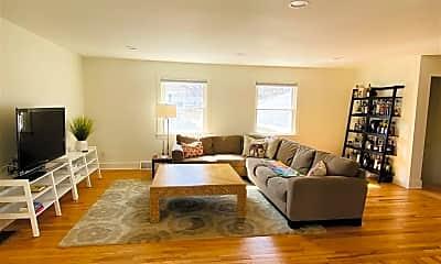 Living Room, 67 North St, 1