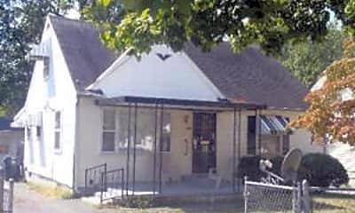 Building, 456 Locust Ave, 0