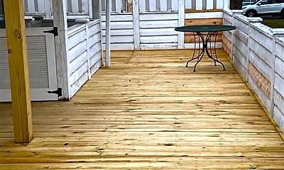 Patio / Deck, 407 Summit St, 2