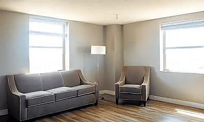 Living Room, 2000 S Cooper St, 2