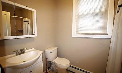 Bathroom, 906 N 48th St, 1