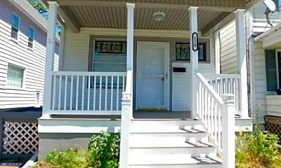 Patio / Deck, 110 E Bennett St, 1