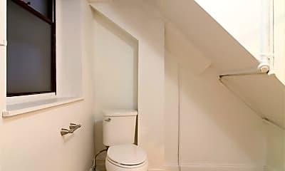 Bathroom, 2122 Walnut St, 2