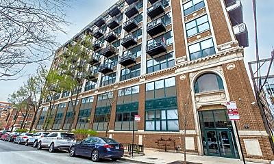 Building, 221 E Cullerton St, 0