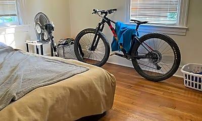 Bedroom, 515 Pitt St 1, 2