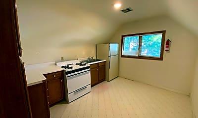 Kitchen, 1408 Bass Ave, 2