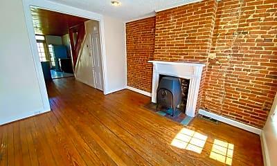 Living Room, 416 Sanders St, 1