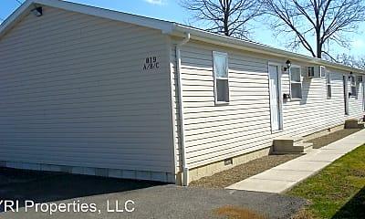 Building, 819 W Sandusky St, 2
