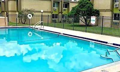 Pool, The Mark at SoDo, 2