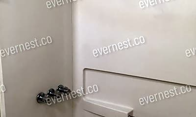 Bathroom, 121 N Jackson St, 2