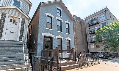 Building, 1363 W Walton 2F, 1