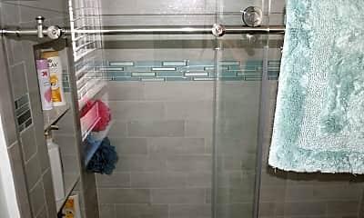 Bathroom, 711 Beach Ave 3, 2