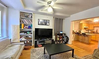 Living Room, 2118 N Clifton Ave, 0
